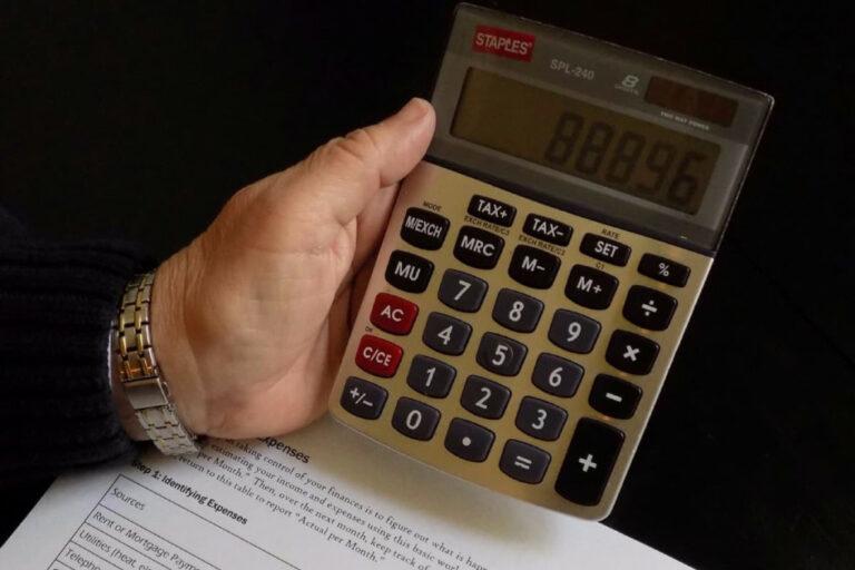 Lav et budget