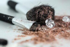 Brug ikke beskidte makeup børster