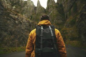 4 typer rejseudstyr der sparer dig plads i rygsækken