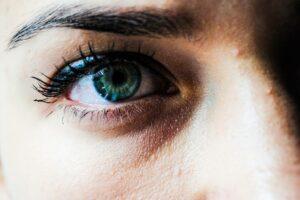 Hvor lang tid holder en god mascara?