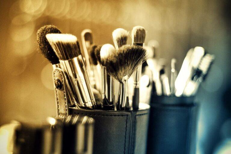 køb makeup opbevaring til badeværelset