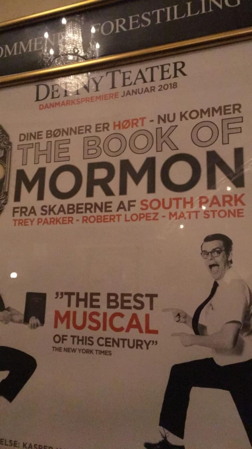 The Book of Mormon på Det Ny Teater – Fremragende, fantastisk fræk (anmeldelse)